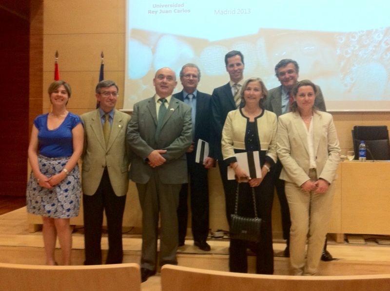 El Dr. Bruno Baracco con los miembros del tribunal