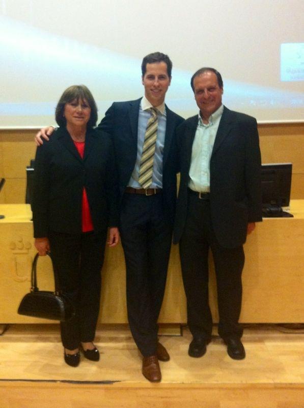 El Dr. Bruno Baracco con sus padres